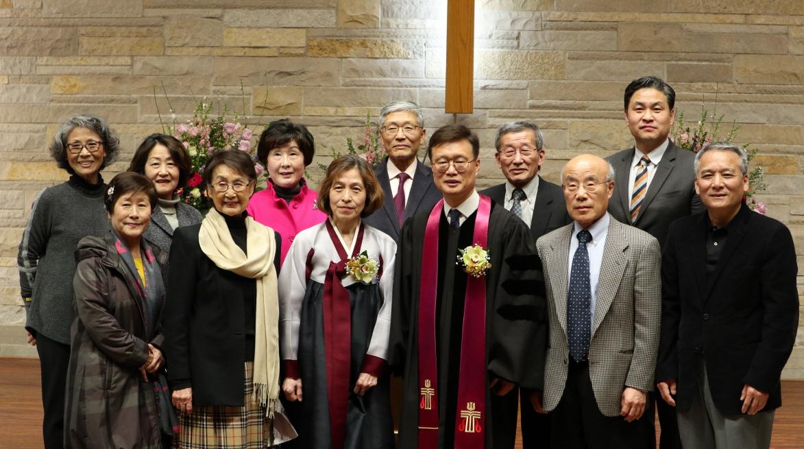 담임목사 위임예배B  (5).JPG